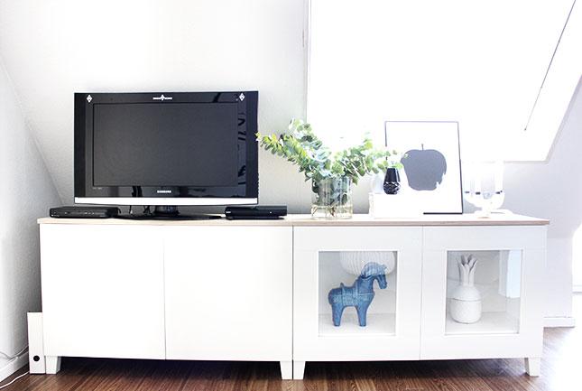 Besta-Sideboard im Wohnzimmer