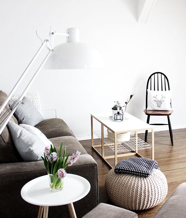 Wohnzimmer in Frühling