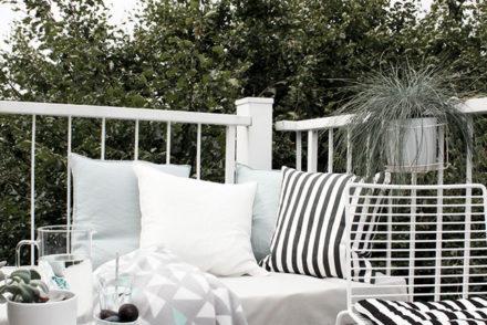 Balkon-Makeover!DIY- Loungepodest und neue Sitzecke mit den HAY Hee Stühlen