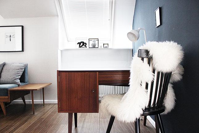50er Schreibtisch im Gästezimmer