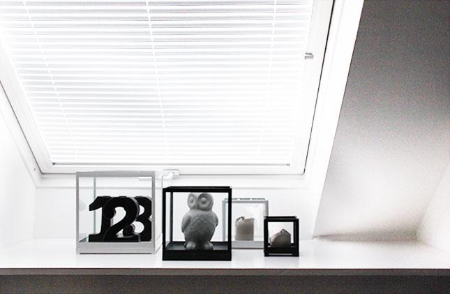 Windlichter in schwarz-weiß