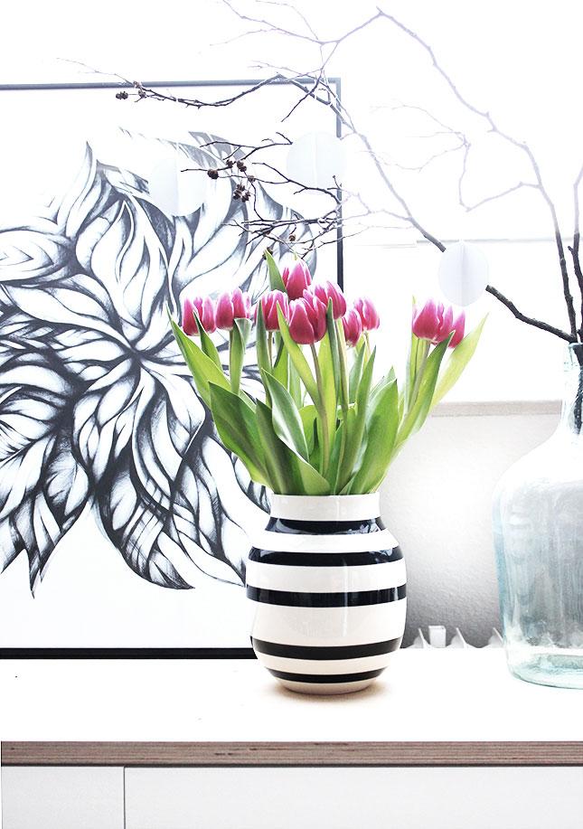 Pinke Tulpen zu Schnee-Anhängern