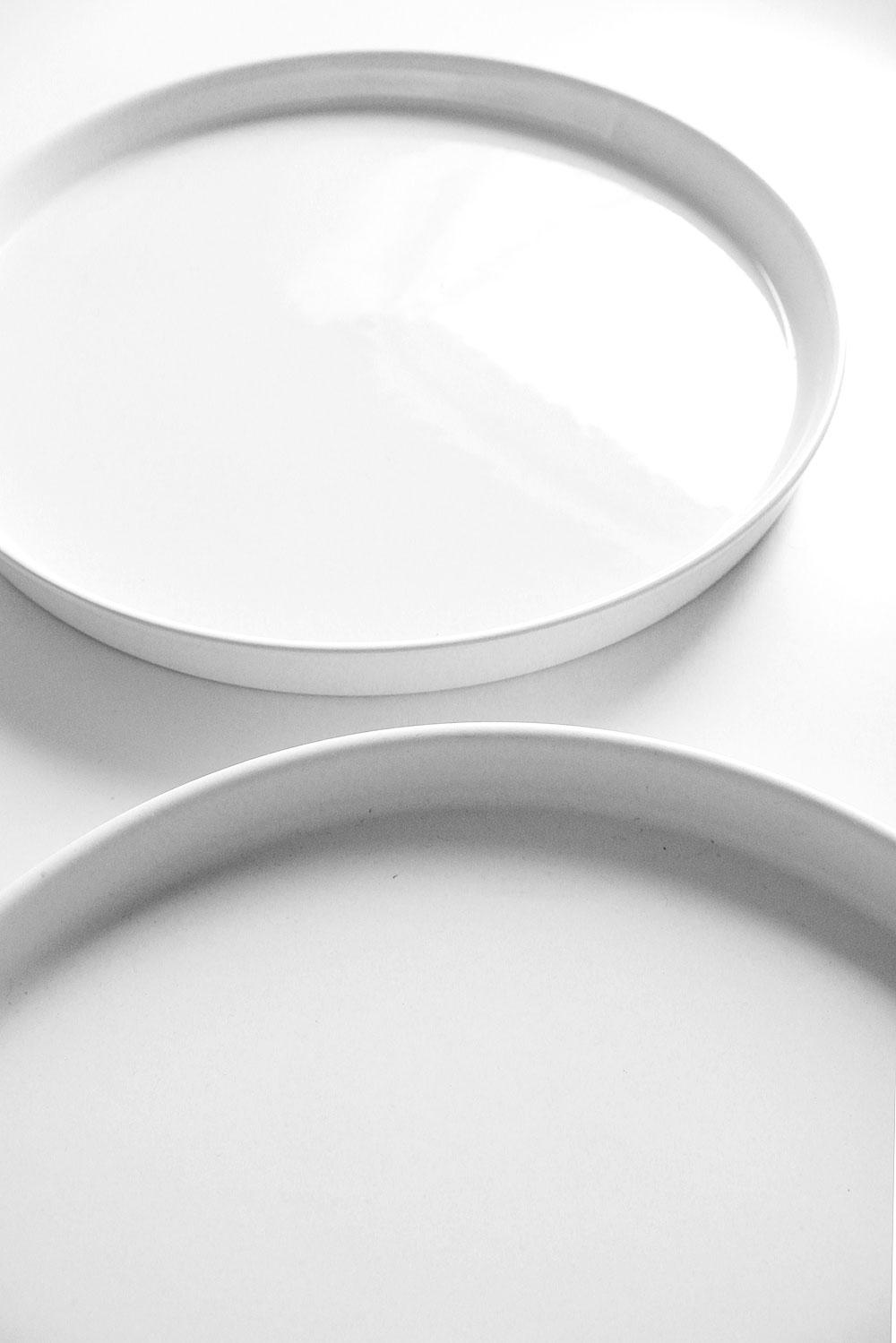 Glänzendes Porzellan mit Mattspray aufhübschen