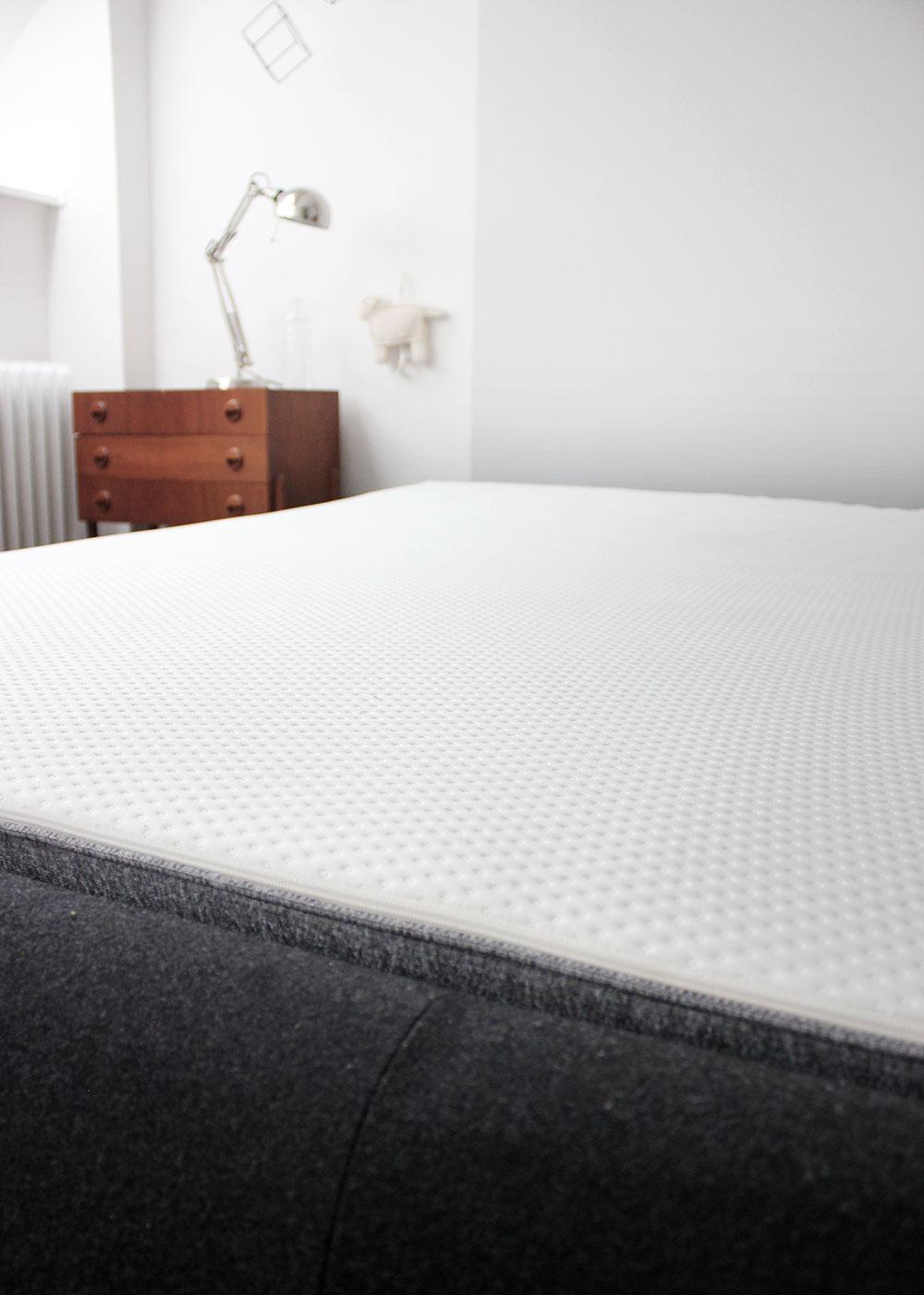 schlafplatz revolution auf 2x2 metern dank unseres neuen familienbetts und emma oh what a. Black Bedroom Furniture Sets. Home Design Ideas