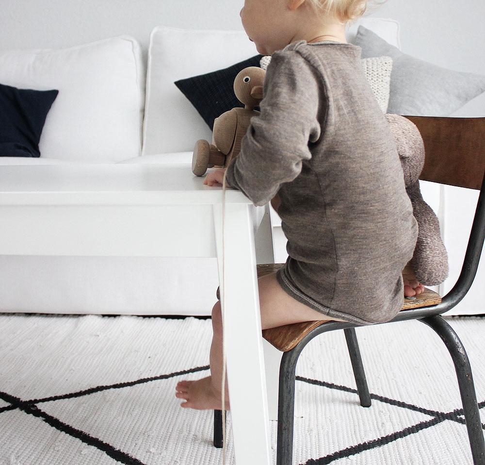 Kinder Vintage Stuhl im Einsatz!