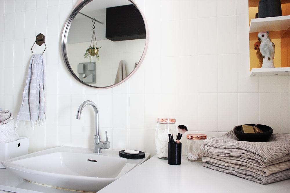 Badezimmerdeko am Waschtisch