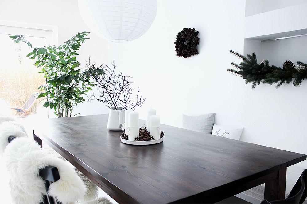 Unser wunderbarer Esstisch: ein Altholztisch von M&S Antik in Ahrensburg