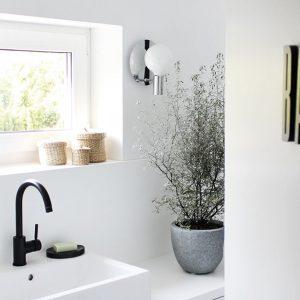 Eine Tour durch unsere Badezimmer - mit meinen geliebten schwarzen + weißen Armaturen