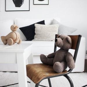 unser Vintage Kinderstuhl - heiß begehrt und frisch dekoriert vom zukünftigen Style-Experten
