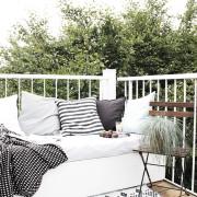 Weltpremiere: Mein DIY-Lounge-Sitzpodest! Dazu eine Auswahl der schönsten Balkonstühle.